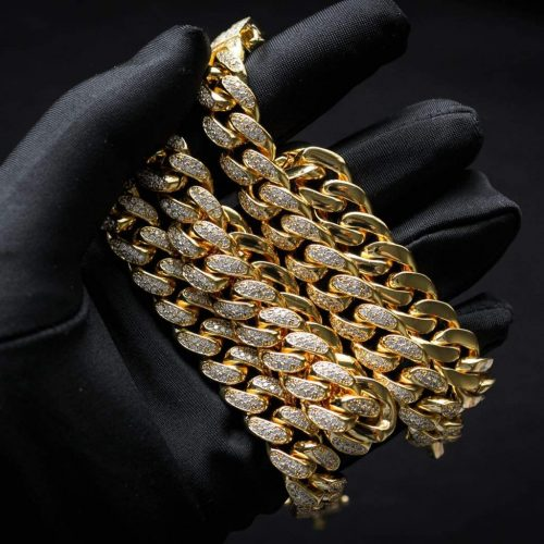 Diamond Cuban Link Chain in 18k Gold (12mm) 12