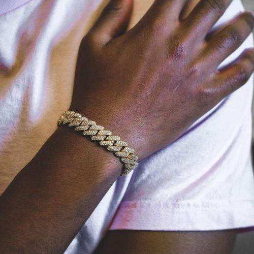 Diamond Prong Cuban Bracelet in 18k Gold (12mm) 5