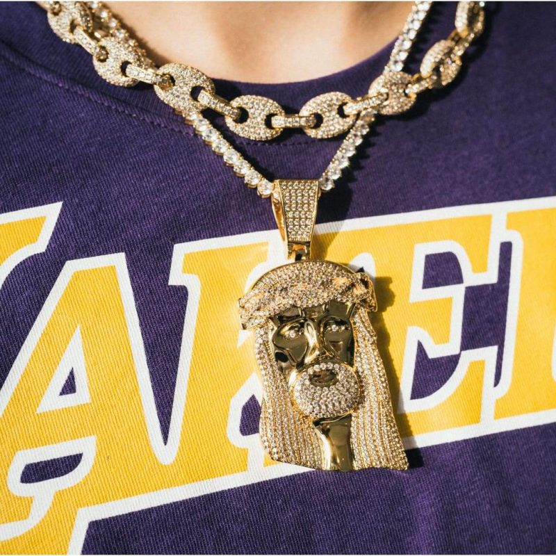 Giant Jesus Pendant Necklace in 18k Gold 2