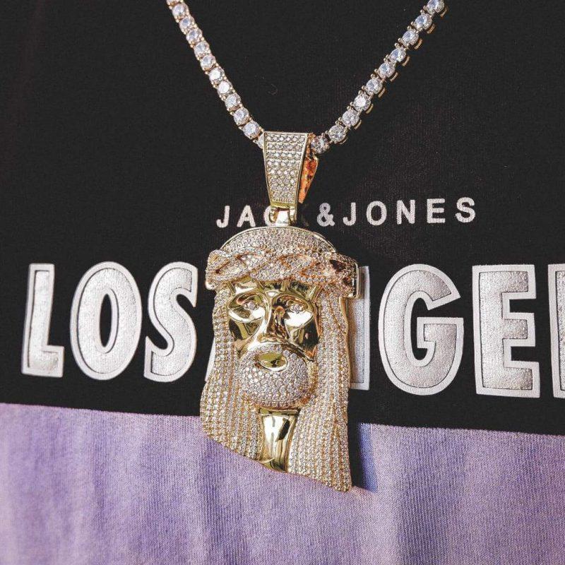 big jesus piece necklace in 18k gold 6 ice 954